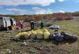 """Coca-Colin projekat """"Od izvora do mora"""" okupio speleologe i druge entuzijaste u akciji čišćenja kod Tomislavgrada (FOTO)"""