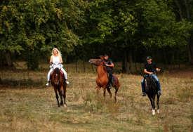 Rijekom kajak plovi, poljem jure konji vrani: Poduhvat vrijednih momaka s Romanije