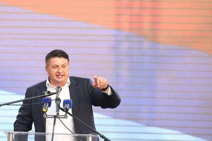"""""""Rasteretiti privredu"""" Radović upozorava da je bez podizanja novih, nemoguće vraćati postojeće kredite Srpske"""
