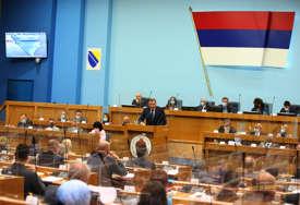 Dodik uporno citira Vučurevića, PDP negoduje: Uzavrela atmosfera na sjednici parlamenta