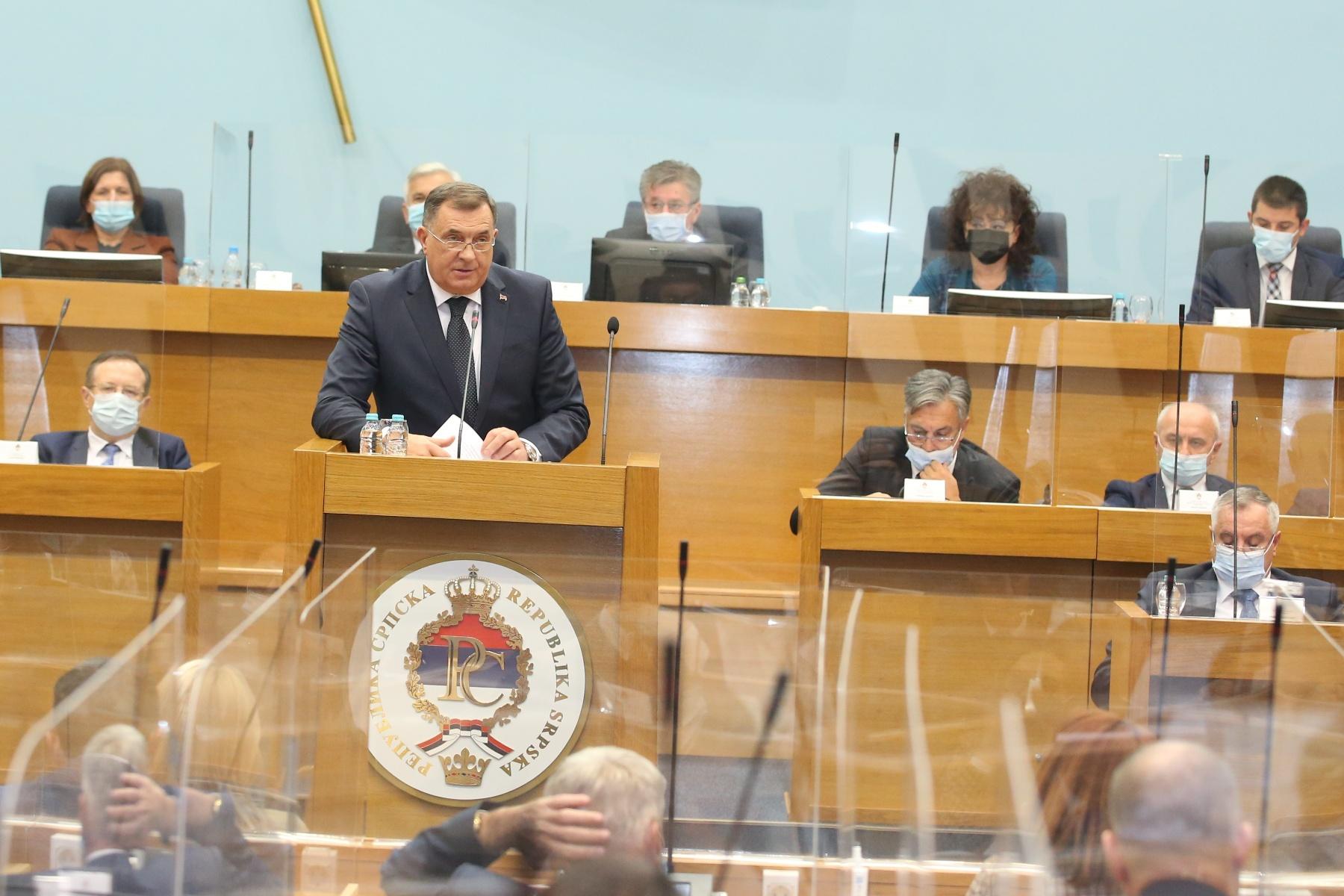 """Dodik na sjednici Narodne skupštine """"Očekujem jedinstvo, Srpska nema skrivene namjere"""" (FOTO)"""