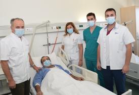 Spasen još jedan život: U UKC RS izvedena složena operacija aneurizme trbušne aorte