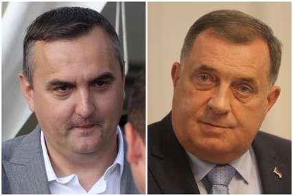 SUPROTSTAVILI SE DODIKU Skandalozni Pavlović je još na čelu Prijedora, podržao ga i cijeli Gradski odbor SNSD (FOTO)