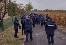 Policija traga za CRVENIM AUTOMOBILOM: Jake policijske snage u selu gdje su pronađena ugljenisana tijela porodice Đokić