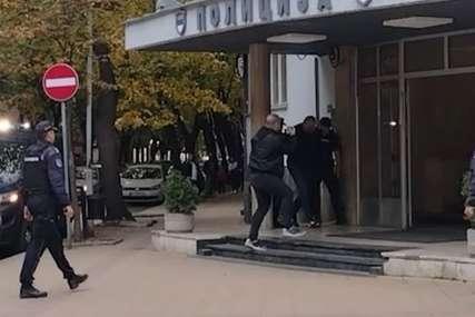 Još petorica iza rešetaka u vezi sa UBISTVOM PORODICE ĐOKIĆ: Među uhapšenima i sin Gorana Džonića (VIDEO)