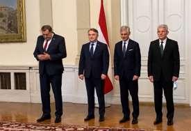 """""""Namjerna nonšalantnost i nepoštovanje gosta"""" Stručnjaci o Dodiku i telefonu (VIDEO, FOTO)"""
