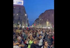 Hiljade Italijana protestovalo protiv kovid propusnica: Izbili sukobi sa policijom (VIDEO)