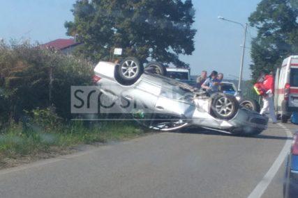 """Udario u ogradu mosta: U nesreći kod Laktaša povrijeđen vozač """"mercedesa"""""""