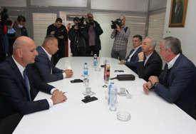 Opozicione partije najavile: Do petka dogovor o zajedničkom kandidatu za gradonačelnika Prijedora