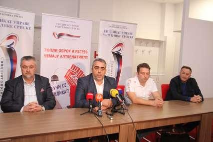 Topli obrok i regres, ILI PROTESTI: Inicijativa Sindikata uprave Srpske ima sve veću podršku