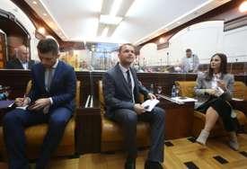 Vratili se u odborničke klupe nakon izolacije: Nastavljena sjednica Skupštine grada Banjaluka (FOTO)