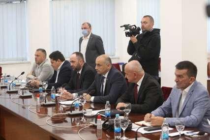 ŠEST STRANAKA Počeo sastanak vladajuće koalicije u Republici Srpskoj (FOTO)
