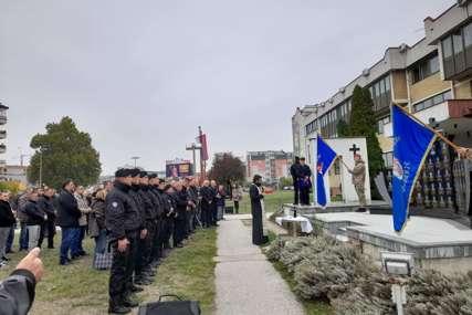 U Bijeljini odata počast poginulim borcima: Pomen i obilježavanje Dana Specijalne policije (FOTO)