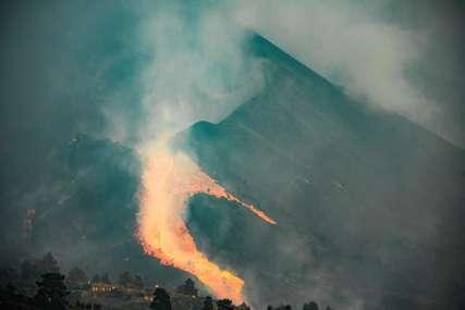 RIJEKA LAVE U NASELJU Zbog erupcije vulkana evakuisano još nekoliko stotina ljudi (VIDEO)