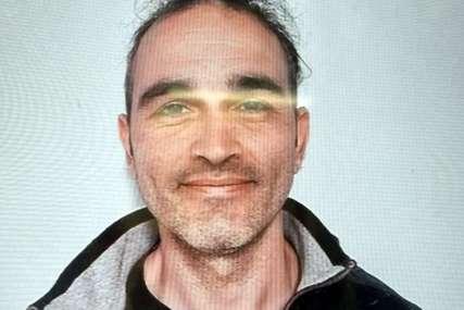 Djedu ODSJEKAO GLAVU i izvadio utrobu: Sve policijske snage u francuskom gradiću tragaju za brutalnim zločincem